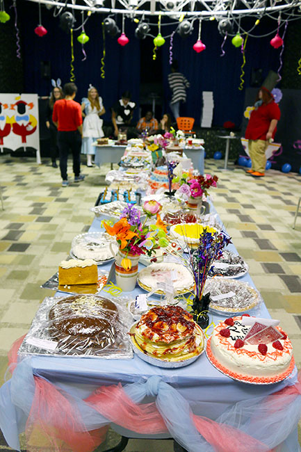 private school, junior class, junior pie auction, fundraiser, alice in wonderland