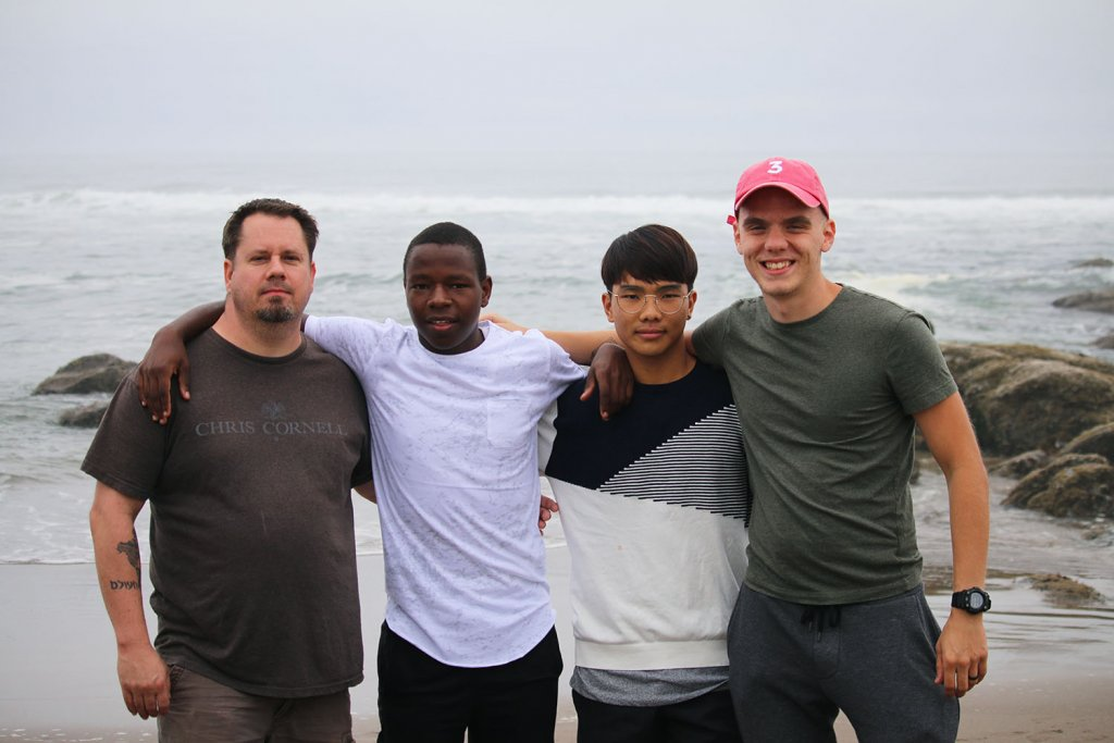 Boone Hall Student Leaders with Deans at Oregon Coast