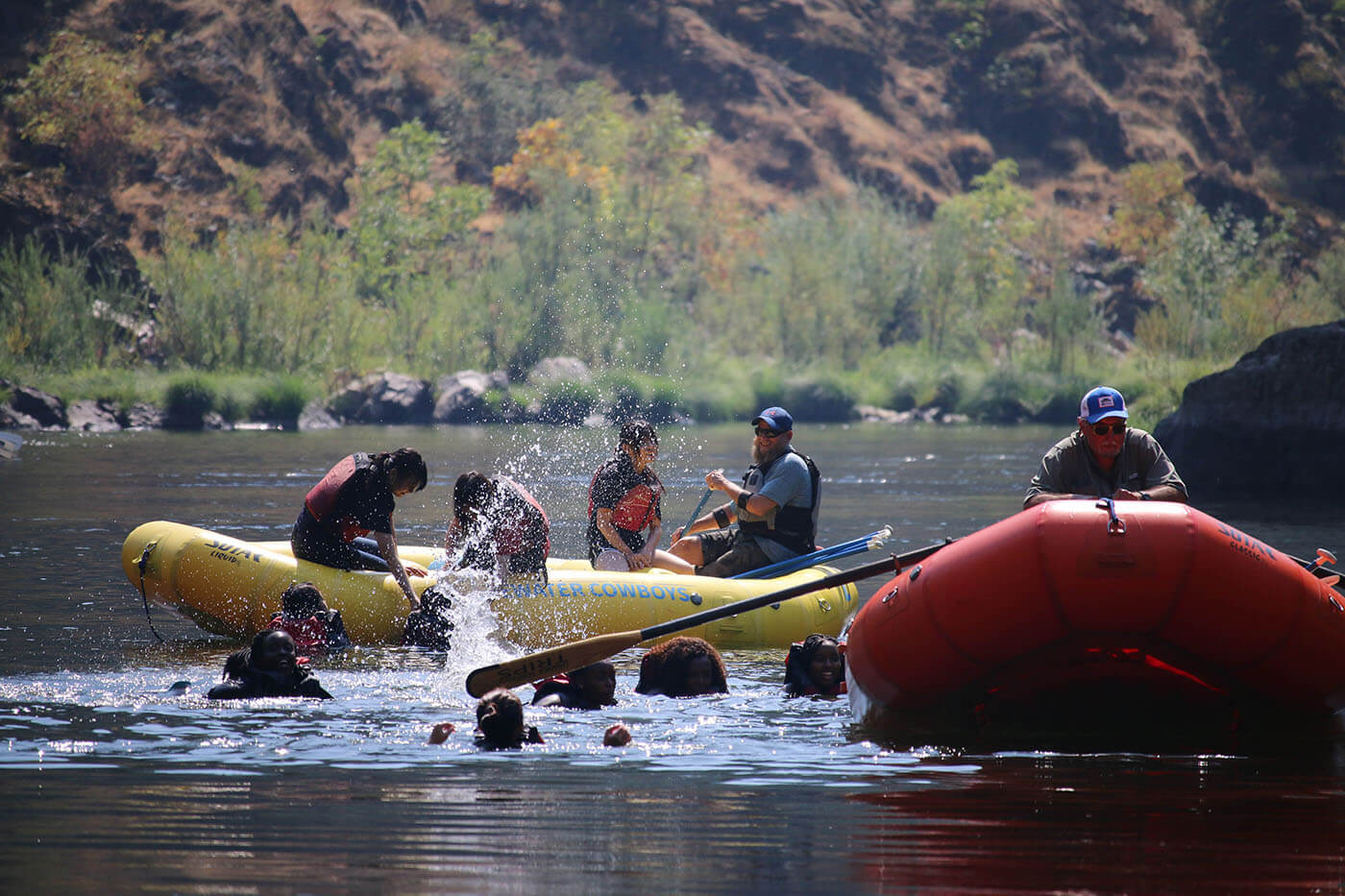 Boarding School's International Students go Swimming in the Rogue River