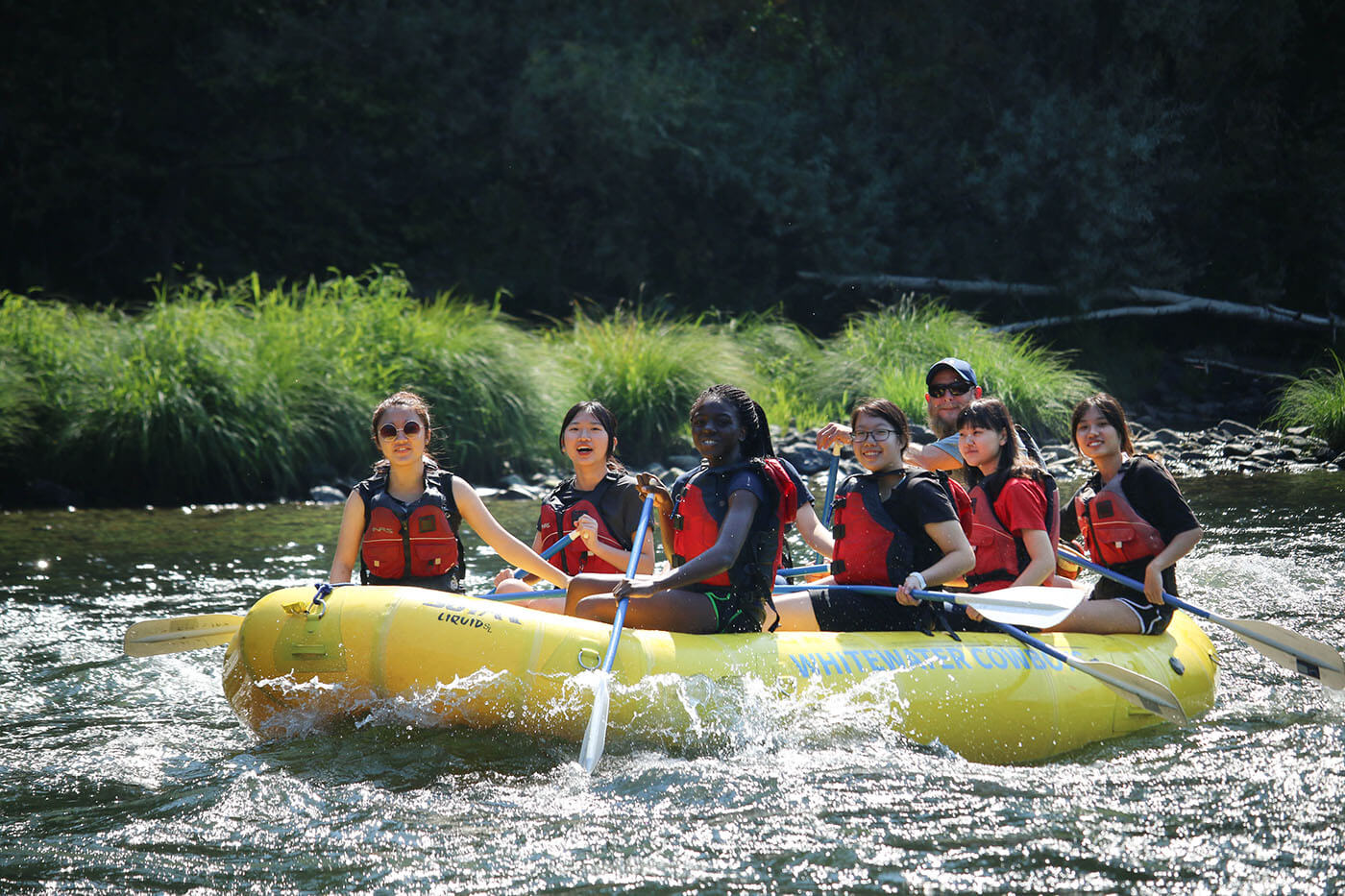 Christian Boarding School goes river rafting on the Rogue River