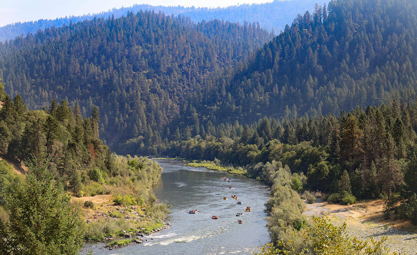 Christian Boarding School students go water rafting on the Rogue River