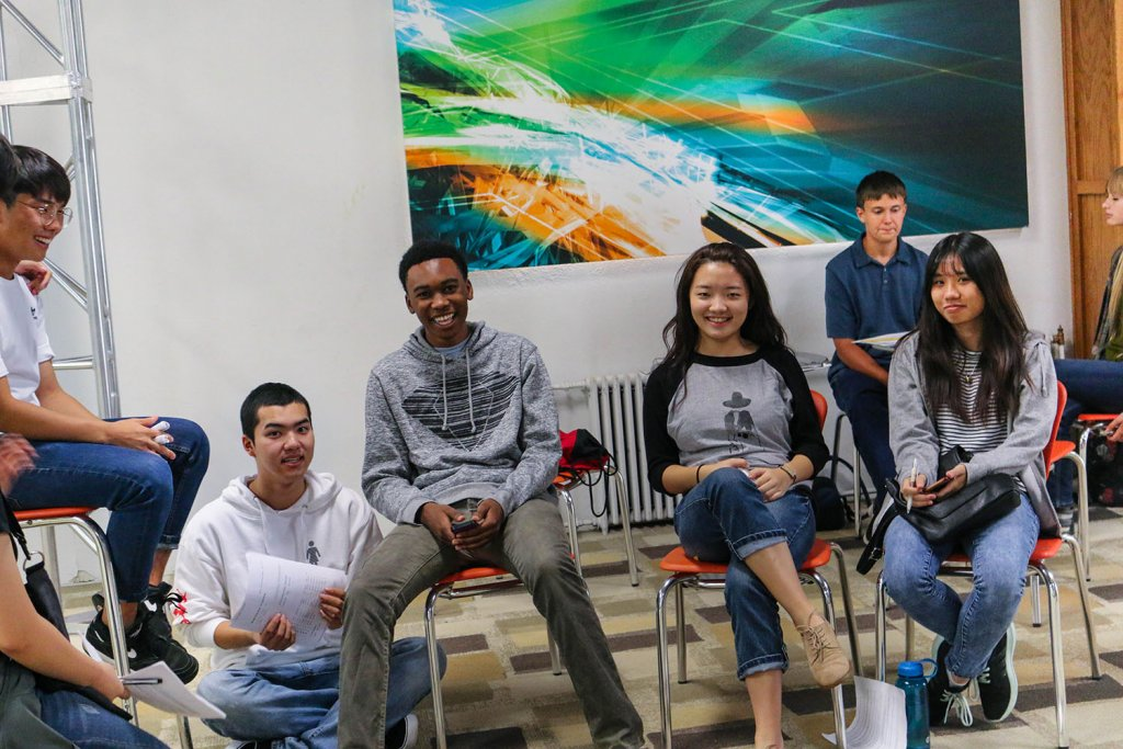 International Students at Christian Boarding School Sign up for Classes