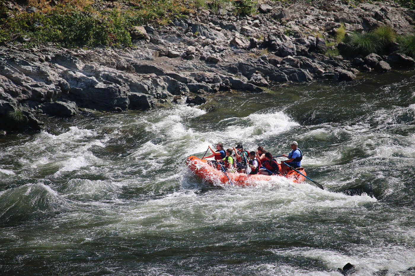 International Students go rafting