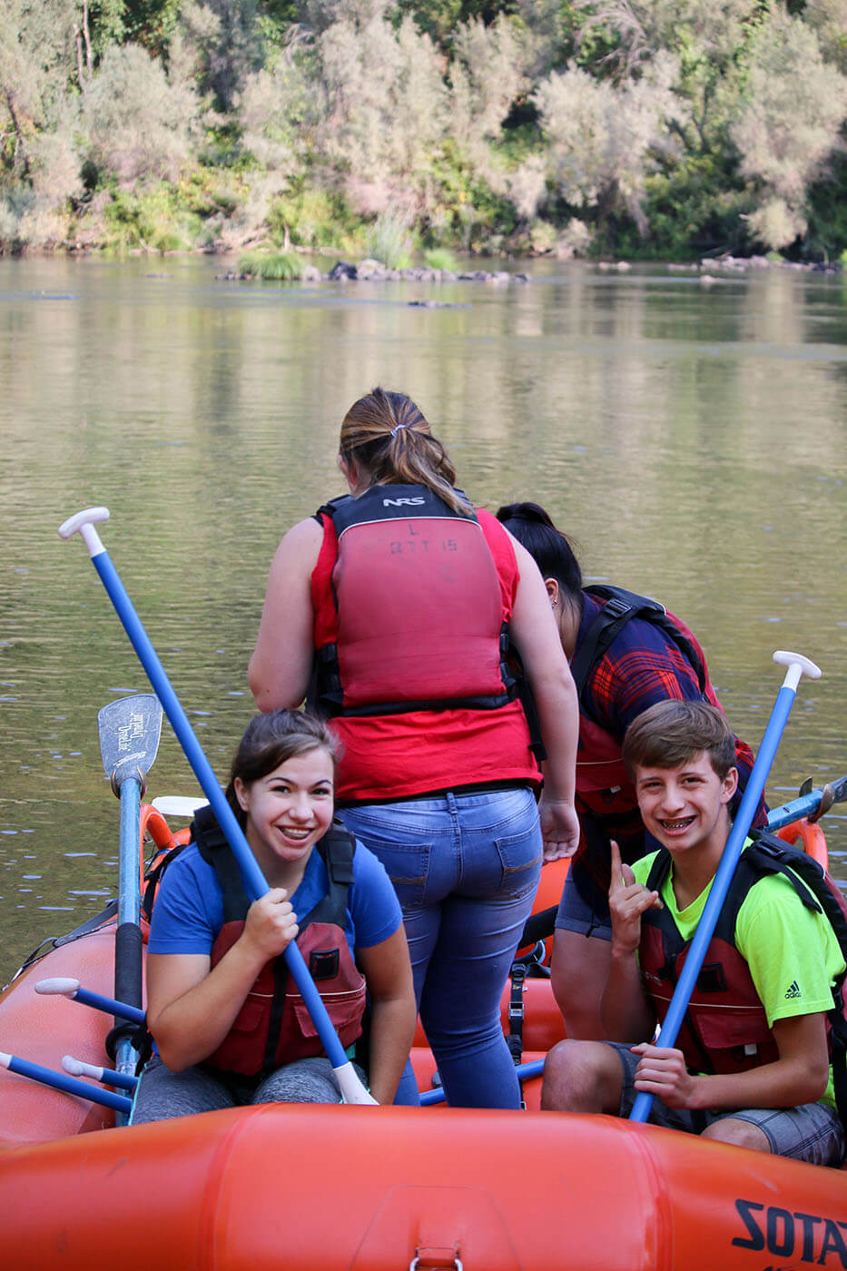 Top Christian Academy students go rafting in Southern Oregon